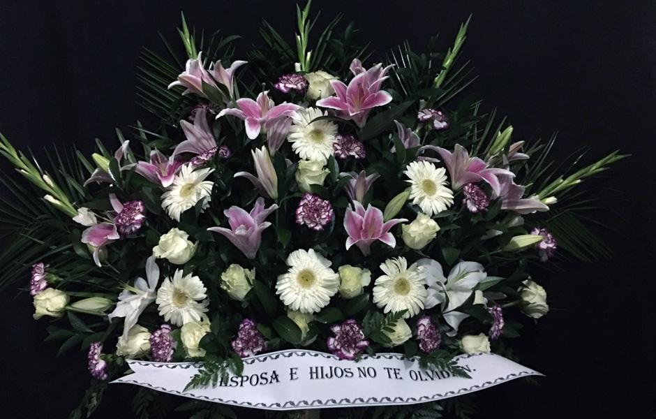 Flores para funerales en Funeraria Romero