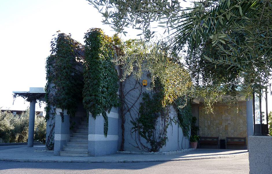Exterior crematorio de albolote